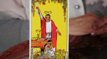 what are good questions to ask during a tarot reading life positive